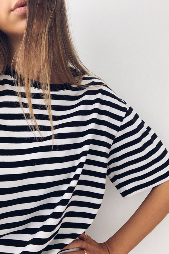 O-NECK T-SHIRT BLACK STRIPES